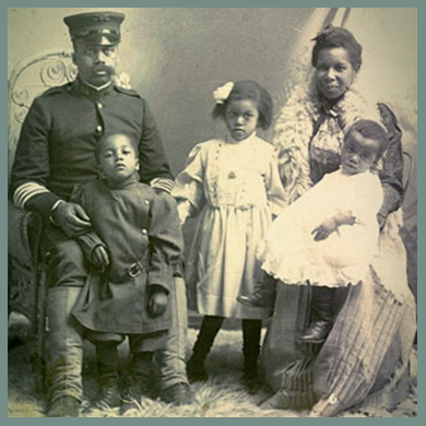 A Buffalo Soldier and his family. Library of Congress.