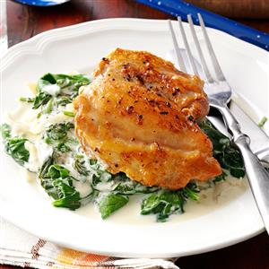 Chicken-Thighs-with-Shallots---Spinach_exps45682_TH132767D04_24_5bC_RMS.jpg