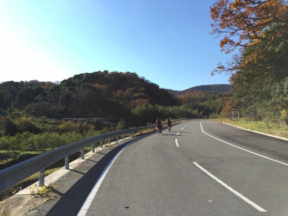 前往豊島美術館的路上......