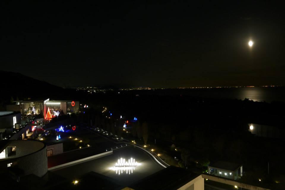 回到飯店伴著夜景準備入睡