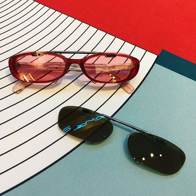 Brown? Pink? Why not get both?? Polarised and UV protective, these babies are practical AND beautiful...😎😍😎 (and were made in-store within the hour!) #thepinholeeffect #caesarflip #adelaidearcade #coolsunglasses #retroeyewear #cliponsunglasses #cliponshades #citymagazine #rundlemall