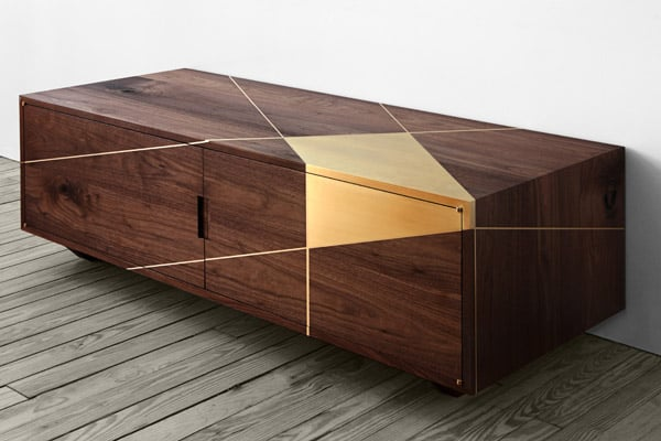 Anamorphic Console in walnut and brass