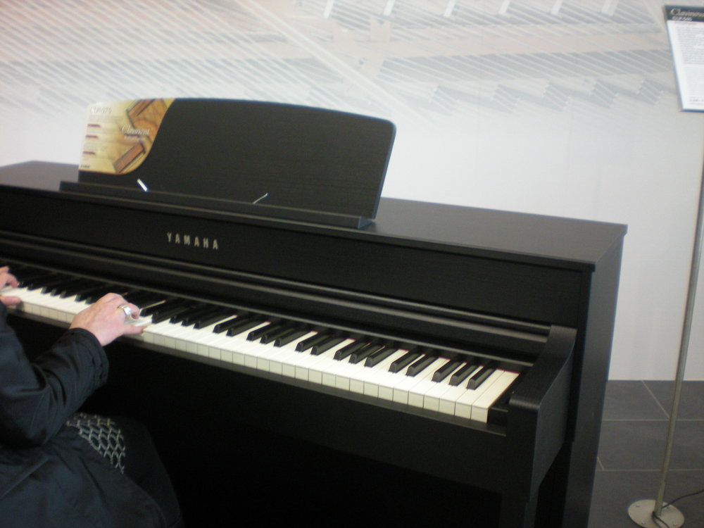 pianina cyfrowe yamaha na targach muzycznych frankfurt 2014 elpiano nasz pasj s pianina. Black Bedroom Furniture Sets. Home Design Ideas