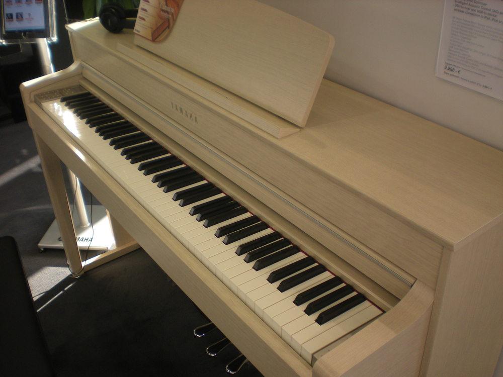 pianina cyfrowe yamaha na targach muzycznych frankfurt. Black Bedroom Furniture Sets. Home Design Ideas