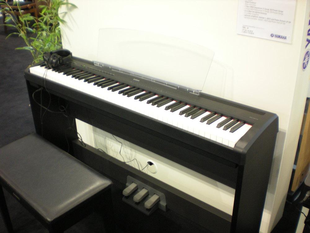 Yamaha P-95