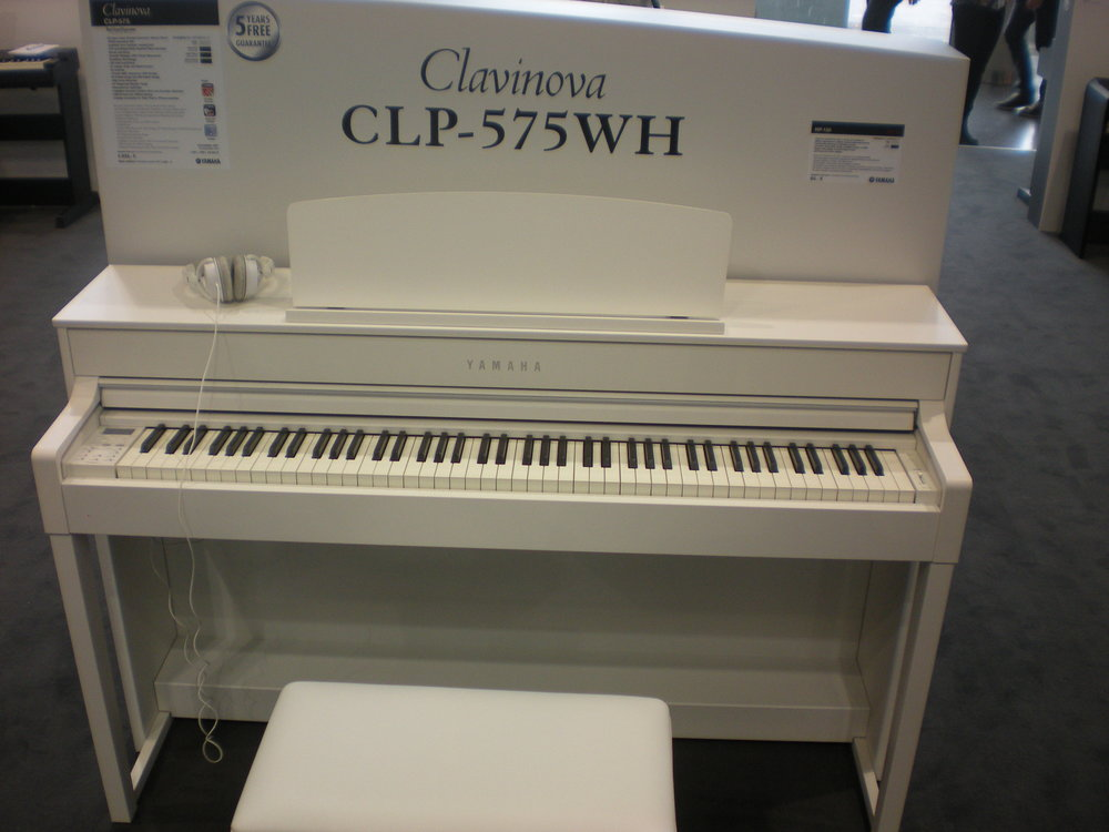 Clavinova CLP-575