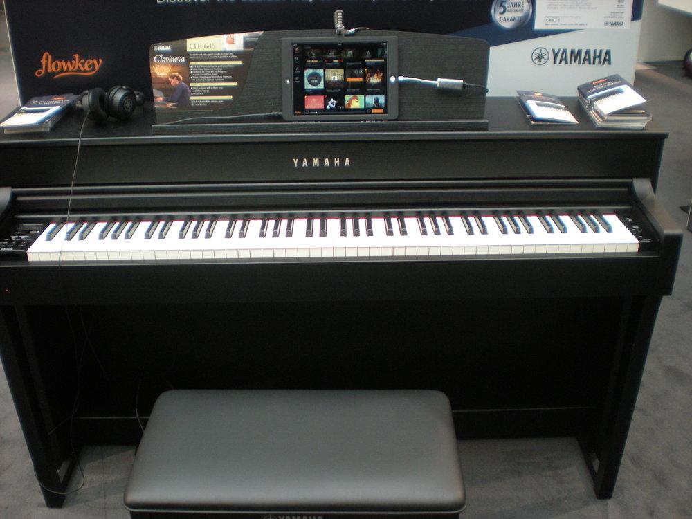 Yamaha CLP-645