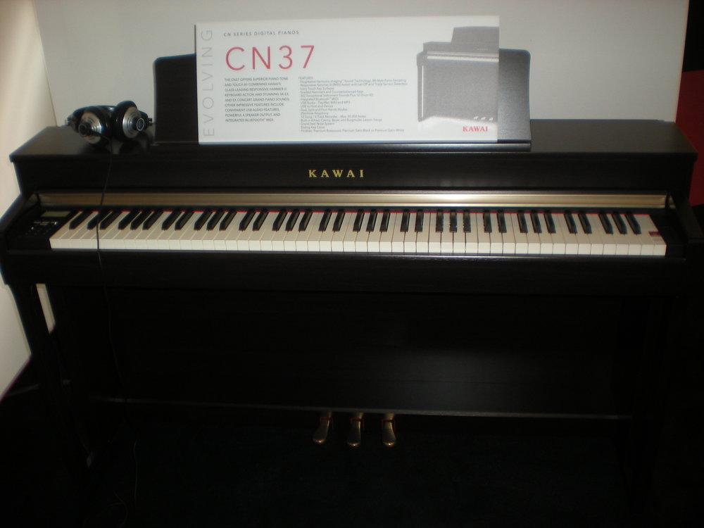 Kawai CN37