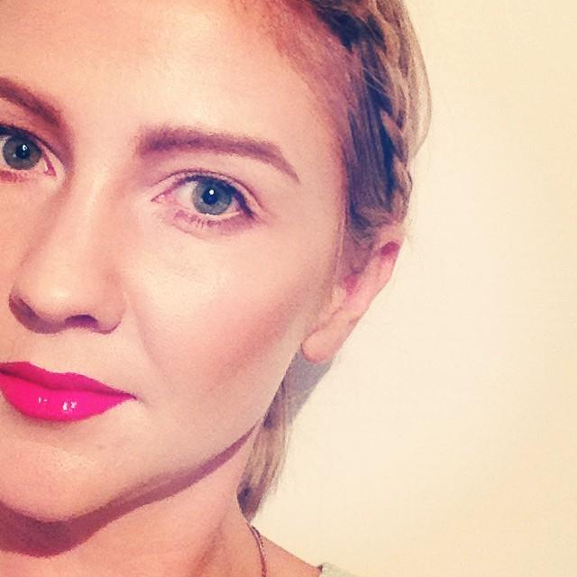 #pinklip #strongbrow #contour #makeup #mua #mac #occ #occcosmetics #plait #braid #mac #maccosmetics #loracpro #loracmegapro