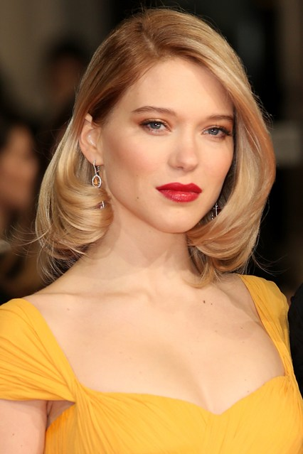 red carpet Lea-Seydoux-Vogue-9Feb15-Getty_b_426x639.jpg