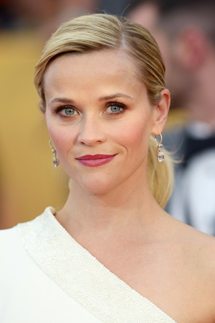 red carpetReese-Witherspoon-guild-awards-vogue-26jan15-rex_b_426x639.jpg