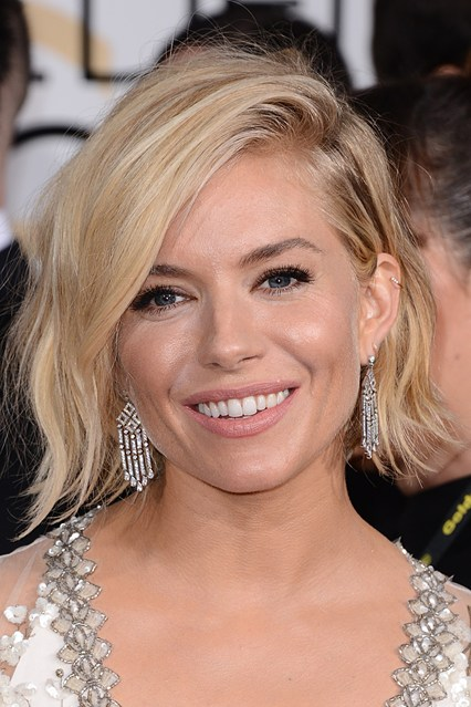 red carpetsienna-miller-beauty-vogue-12jan15-pa_b_426x639.jpg