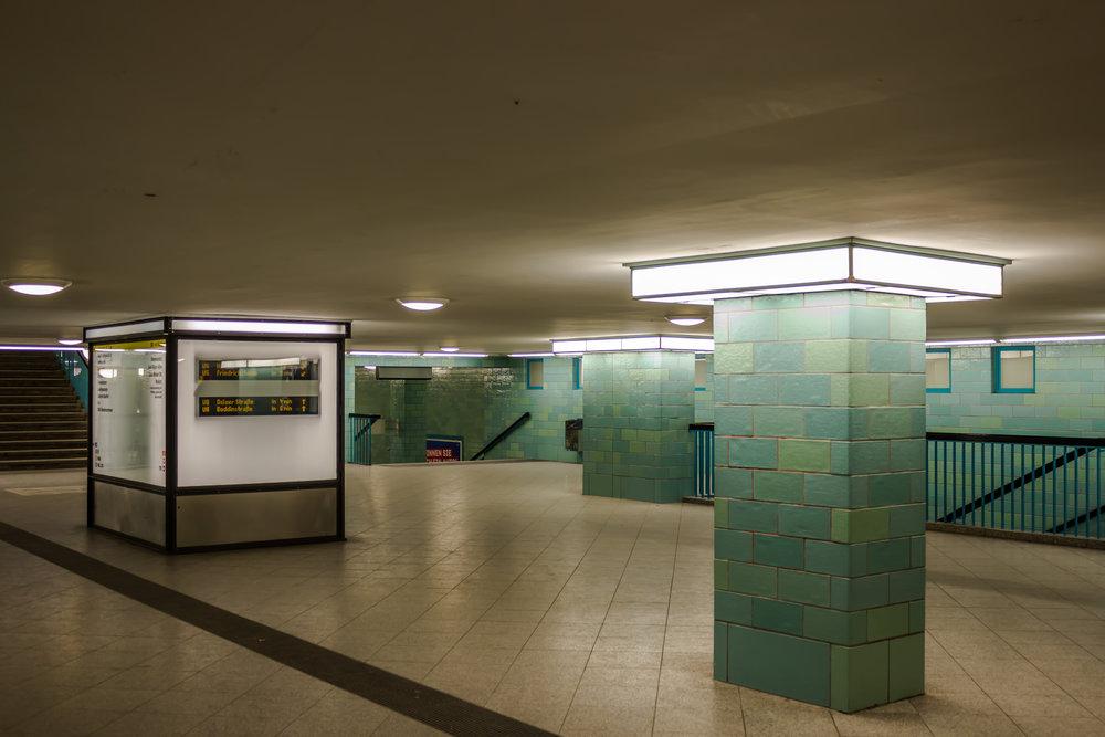 Berlin Ubahn 2 (1 von 1).jpg