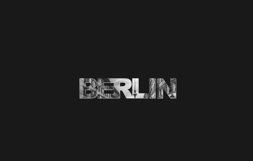 Berlin Foto mit Fernsehturm in Schrift integriert