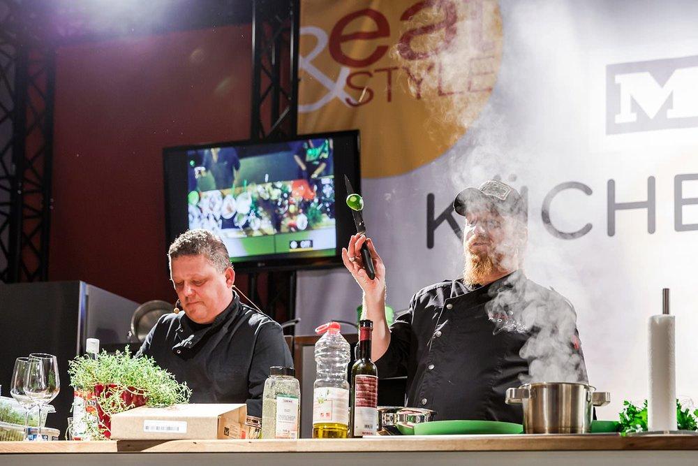 Köche beim Workshop Miele Küchentricks eat&STYLE Foodfestival | Foto pm-modus.com