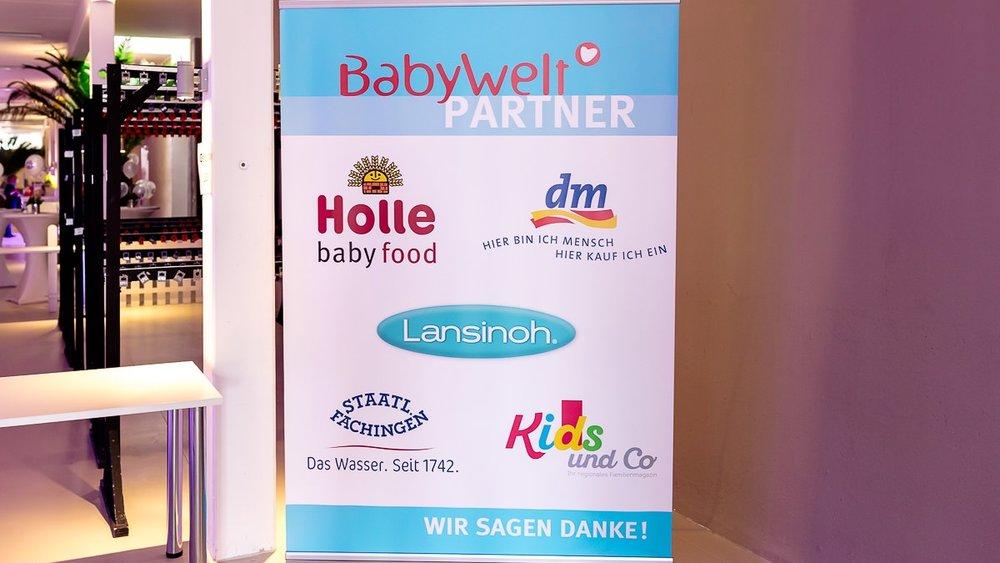 Plakat der Partner und Sponsoren der Babywelt-Messe