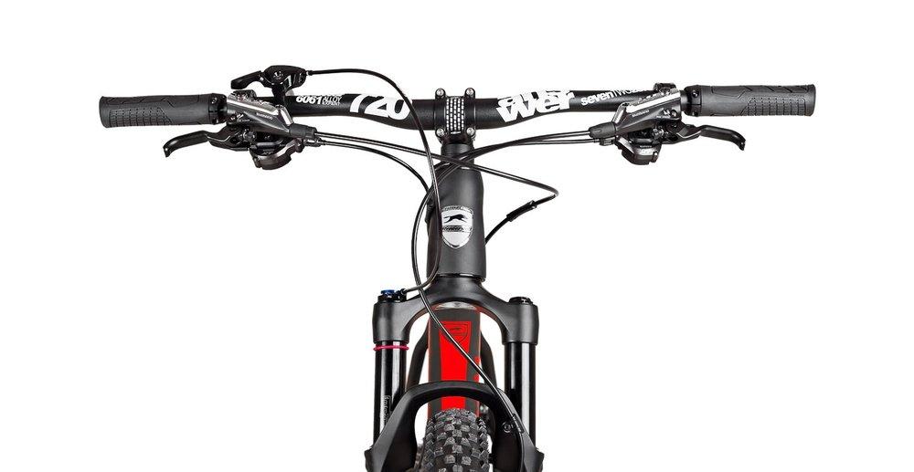 Vorderansicht eines Fahrrad Produktfotos vom Steppenwolf Tundra Carbon MTB