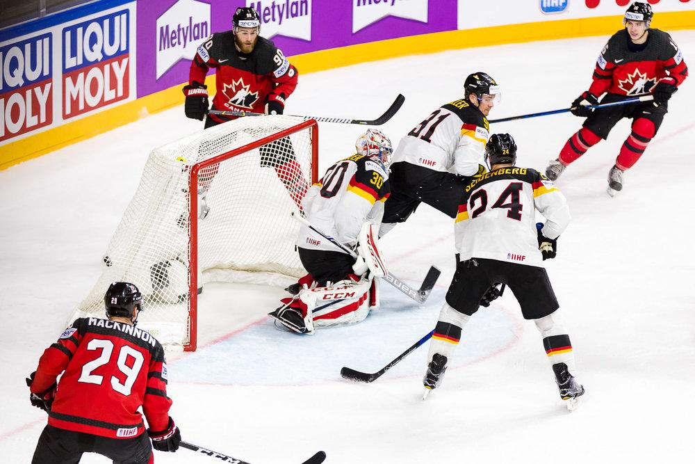 Kanada schießt das erste Tor im WM Viertelfinale gegen Deutschland