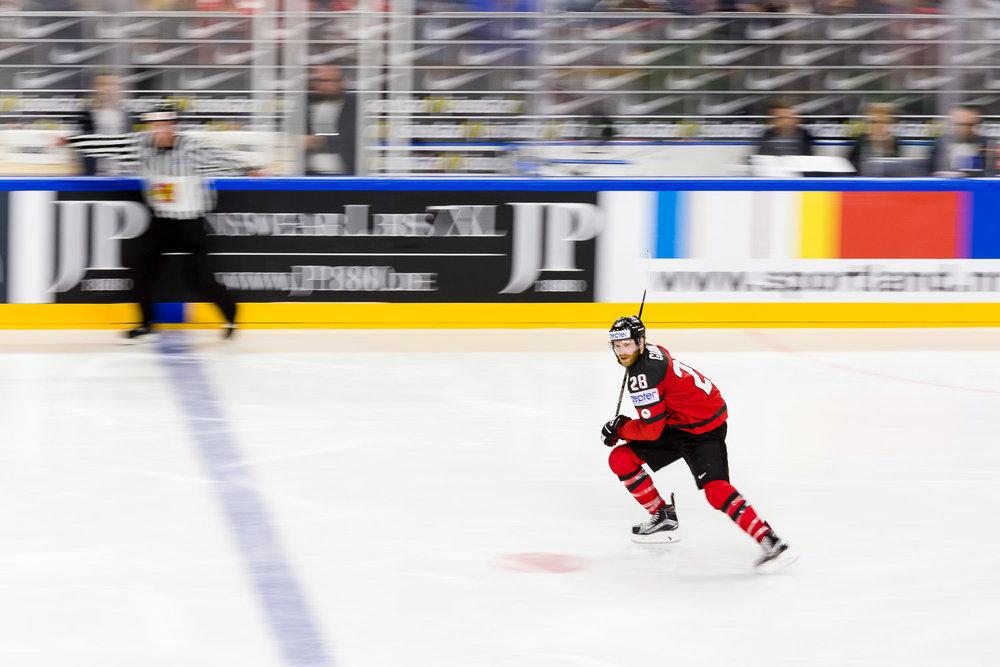 Mitzieher eines kanadischen Eishockeyspielers