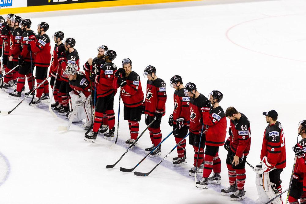 Kanadische Eishockey Nationalmannschaft bei der Siegerehrung nach WM Viertelfinale