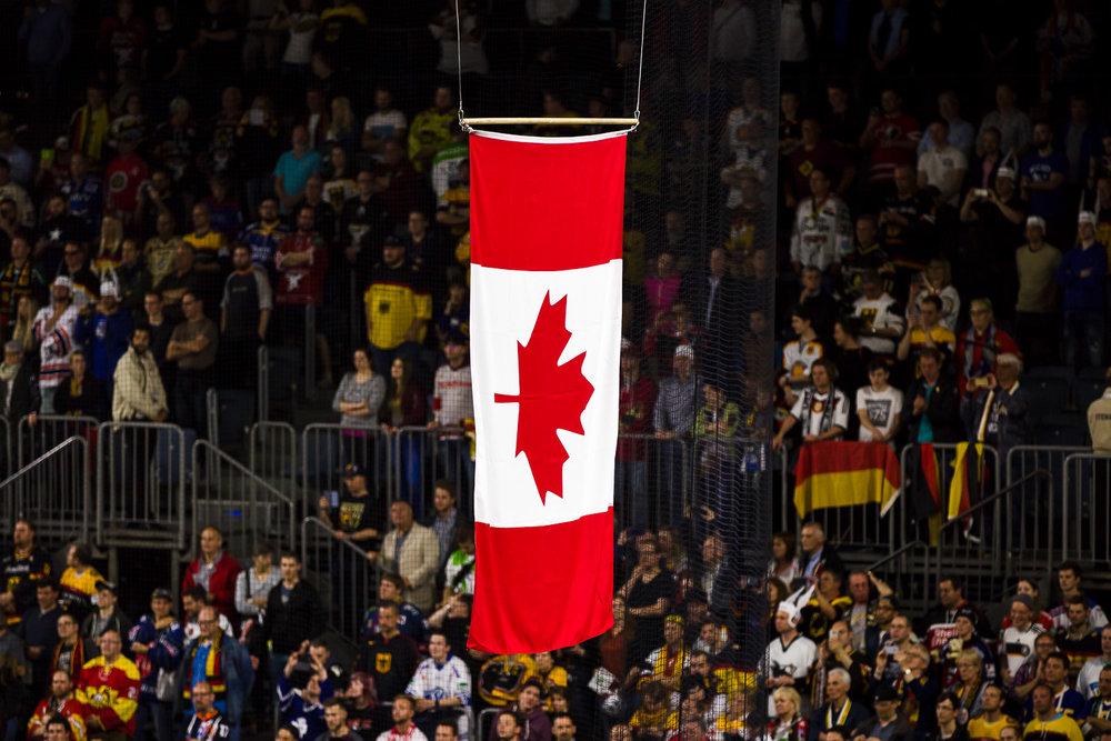Kanadische Flagge in der Kölner Lanxess-Arena