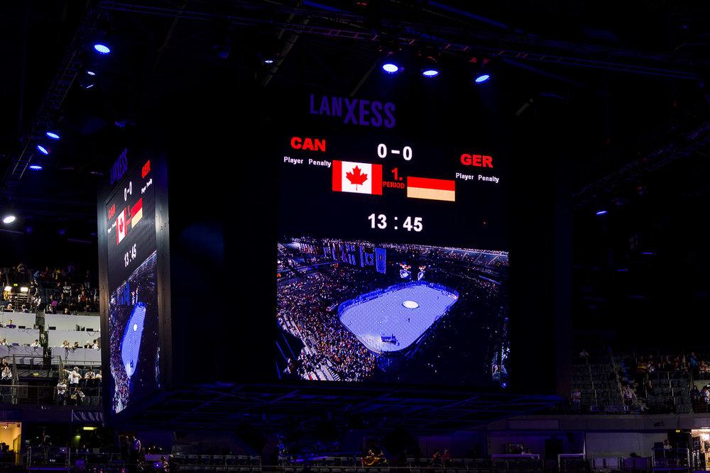 Anzeigetafel in der Kölner Lanxess-Arena