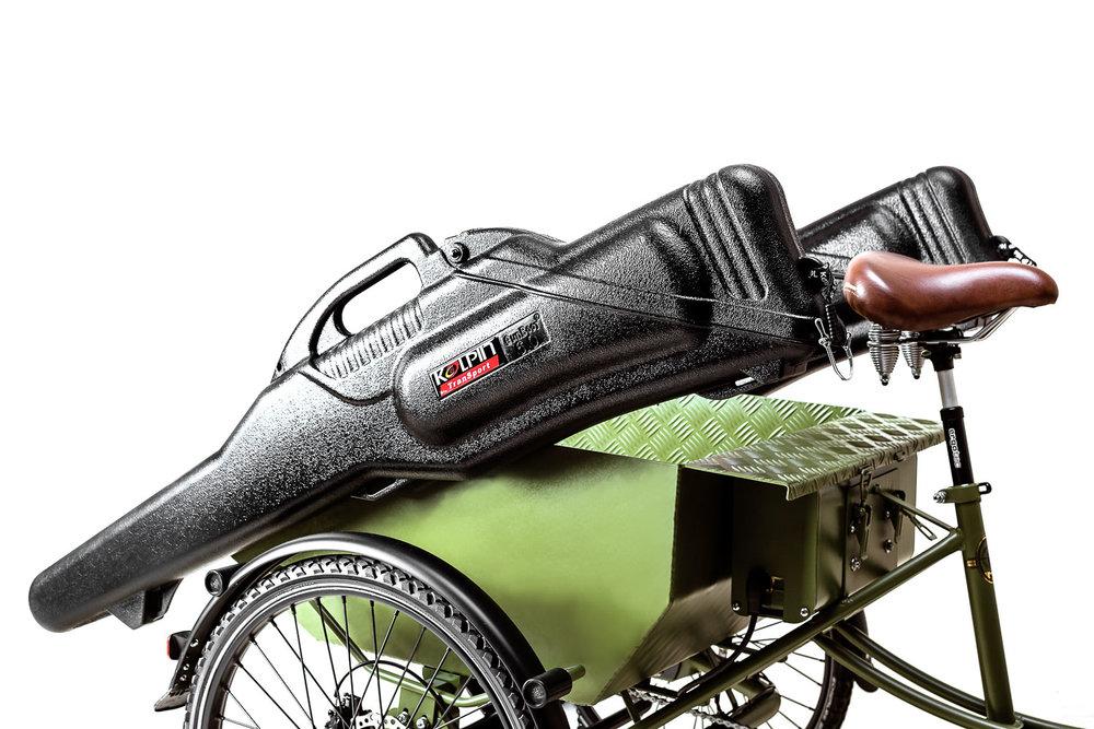 Produktbild Detailansicht Hunterbike Gewehrhuellen befestigt an der Hinterwanne | Jagdrad MIFA