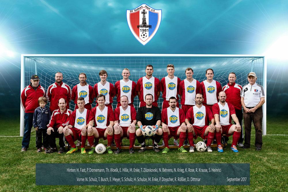 Mannschaftsbild des Fußball-Clubs SV Suedharz Hayn. | Fotograf Peter Meyer | www.pm-modus.com