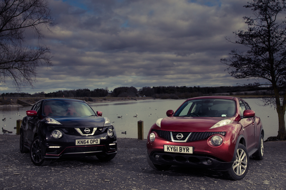The Juke RS next to its little brother.