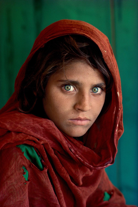 Sharbat Gula, Afghan Girl. Peshawar, Pakistan, 1984. ©Steve McCurry
