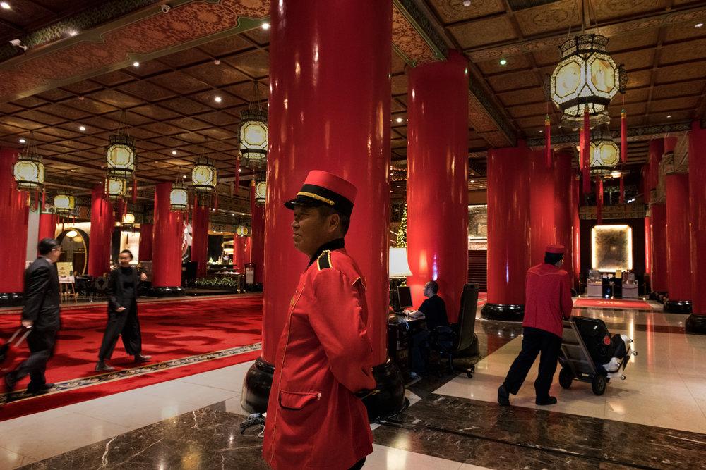 Taipei Grand Hotel Lobby, Taiwan, 2017 ©Steve McCurry
