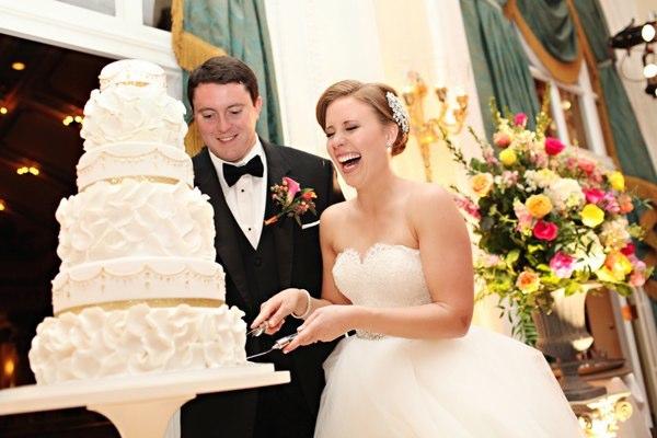 White Ruffle Lambeth Piping Wedding Cake - Photo by White Box Photography