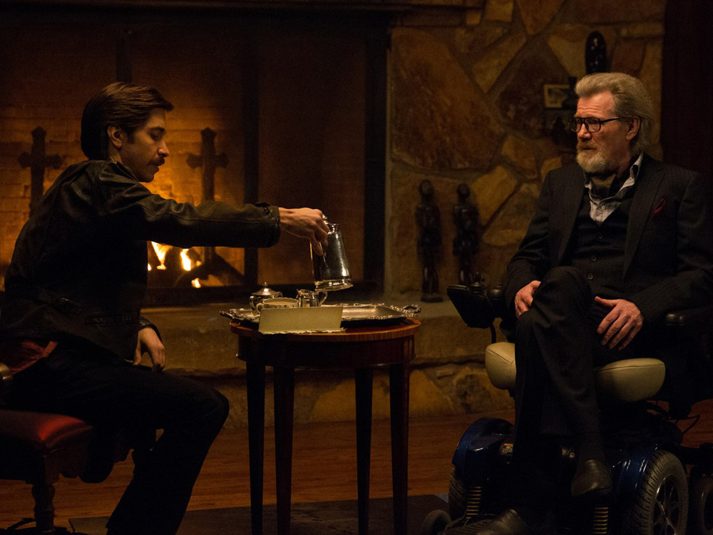 Justin Long and Michael Parks in Tusk