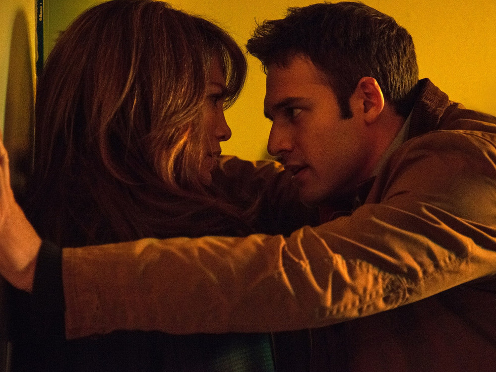 Jennifer Lopez and Ryan Guzman in The Boy Next Door