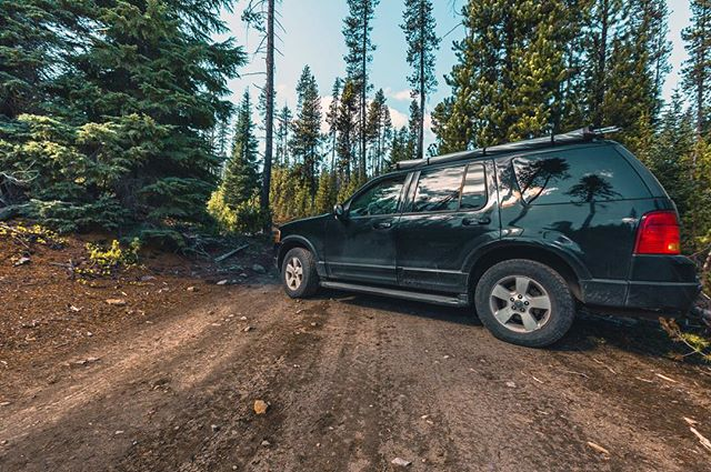 Have you ever been out in the middle of nowhere and you come to a spot that makes you realize your car doesn't have the capability to go over large boulders so you're forced to turn around but as you back up you get your car wedged on a downed tree and you're stuck almost perpendicular to the road? .... me neither. . . . . . . . . . . . #ford #cascadiaexplored #Oregon #oregonnw #pnwonderland #oregonexplored #pnwcollective #lifeofadventure #teamcanon #discoverearth #Roamtheplanet #wildernessculture #agameoftones #Livefolk #exploremore #BestOfOregon #pnw #explore #exploretocreate #aov #Feedbacknation #northwestisbest #fantastic_earth #visualsoflife #exploreeverything #OurPlanetDaily #liveauthentic #thatPNWlife #canon_photos #cars