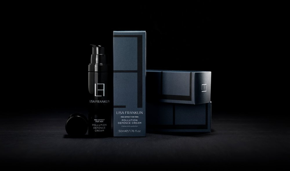 prebiotic powerhouse - The Pro-Effect for Men Pollution Defence Cream picked up the Best Men's Grooming product award in the 2019 Beauty Shortlist.A protector of the skins ecosystem, it provides an environment for the development of the skin'sbeneficial bacteria to the detriment of undesirable bacteria, pathogenic or not, ready to invade the skin at the first sign of imbalance. The nutrient-rich cream re- balances, maintains and even stimulates the body's first line of defence against external attack by creating a teflon like shield.