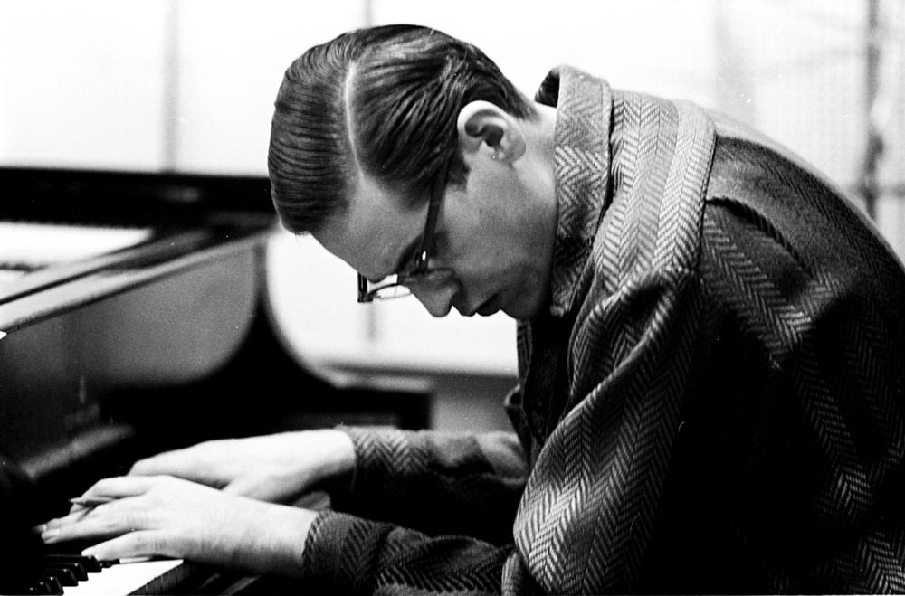 29 Bill Evans  Piano.jpg