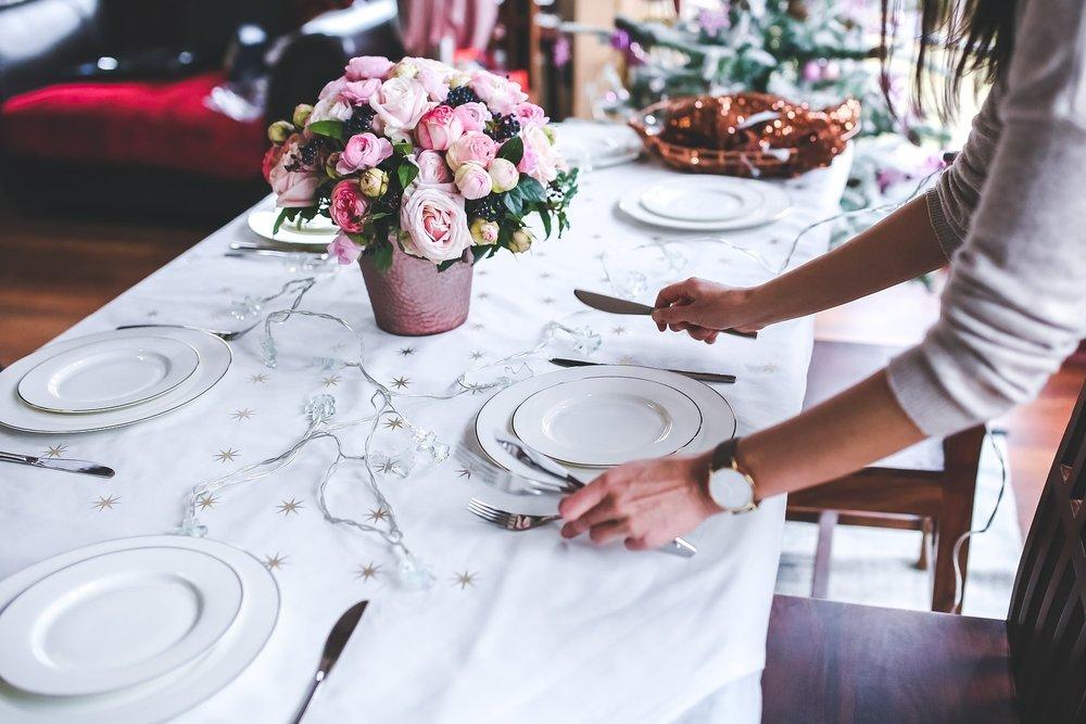 table-791149_1920.jpg