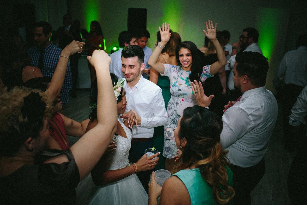 LNP_AngieMatt_Dancing-30.jpg