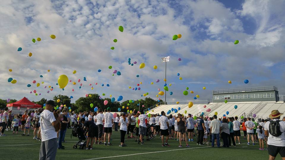 2016 Memorial Balloon Release crowd.jpg