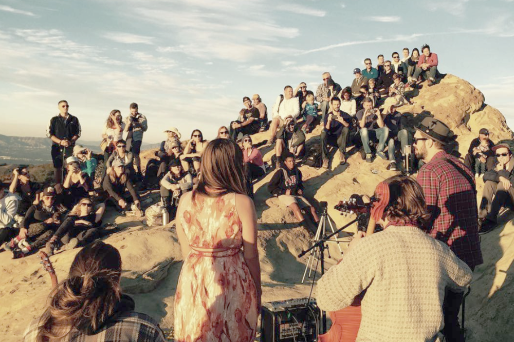 HIKE & SUNSET CONCERT with flight of voices -