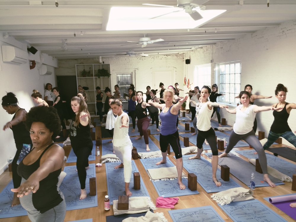 the-ww-club-sky-ting-yoga-womens-day-ting14.jpg