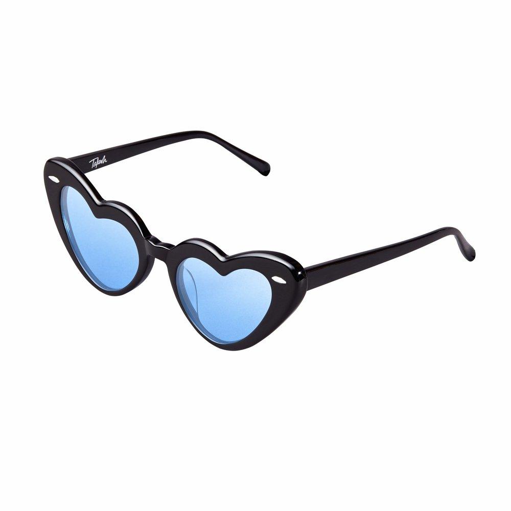 The fabulous Niki Takesh just made some fabulous Lolita-esque sunglasses. J'adore!