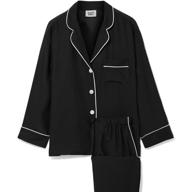 Winter is upon us and pajamas feel relevant again. This Sleepy Jones pair is pretty chic (if a lil pricey).