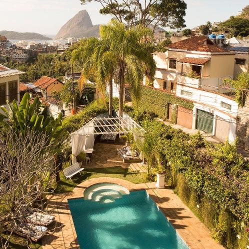 Take me back to Rio . *Prayer hands emoji*