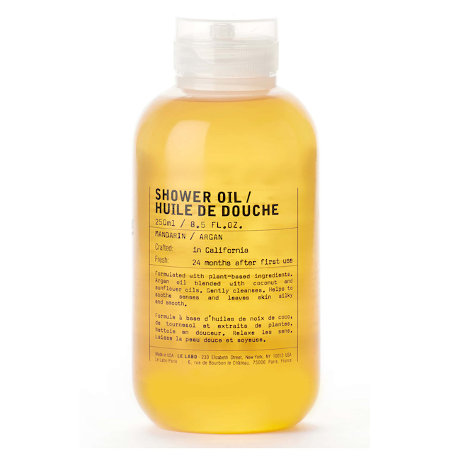 This shower oil cleanses and moisturises.  A seriously chic 2-4-1.