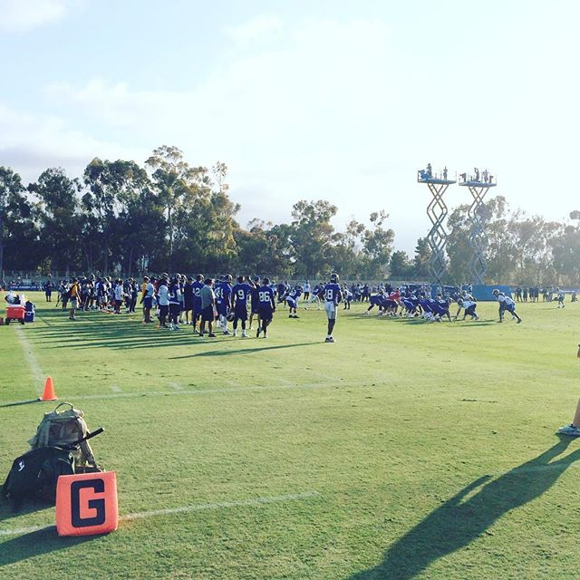A big SoCal welcome from our team to yours, @rams!  Quick R+A #fieldtrip to #trainingcamp 🏈