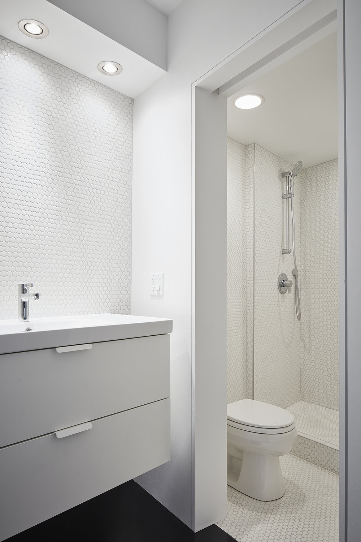 Bathroom,Photo courtesy of Tom Harris
