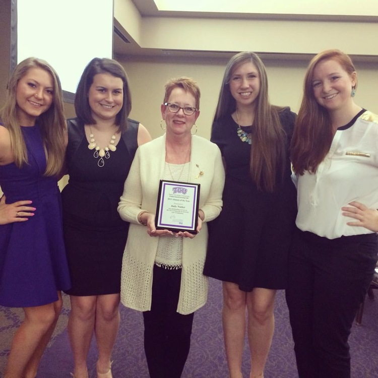 Gamma Chi Alumna, Judy Nutter, receives 2014 TCU Alum of the Year award