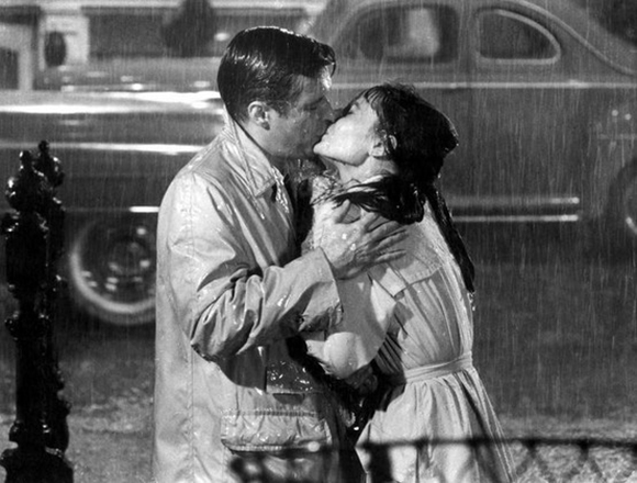 rainy-kiss-in-breakfast-at-tiffanys.jpg